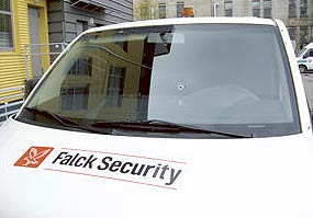 falck security mikroautobusas